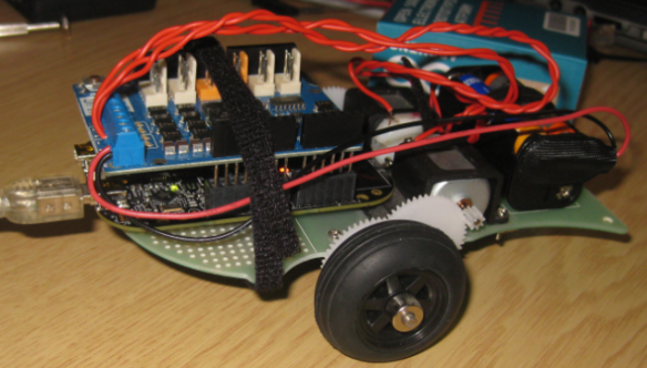 Freedom FRDM-KL25Z with Arduino Motor Shield and Arexx Chassis