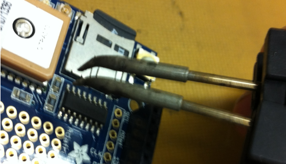Removing R5 with SMD Desoldering Iron
