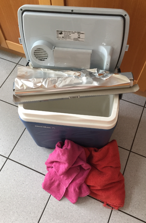 Cooler Box with Foil and Towels