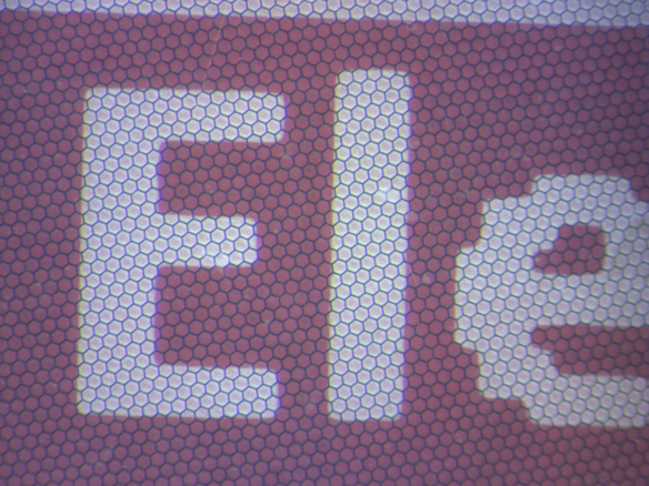 E-Paper White/Red Detail
