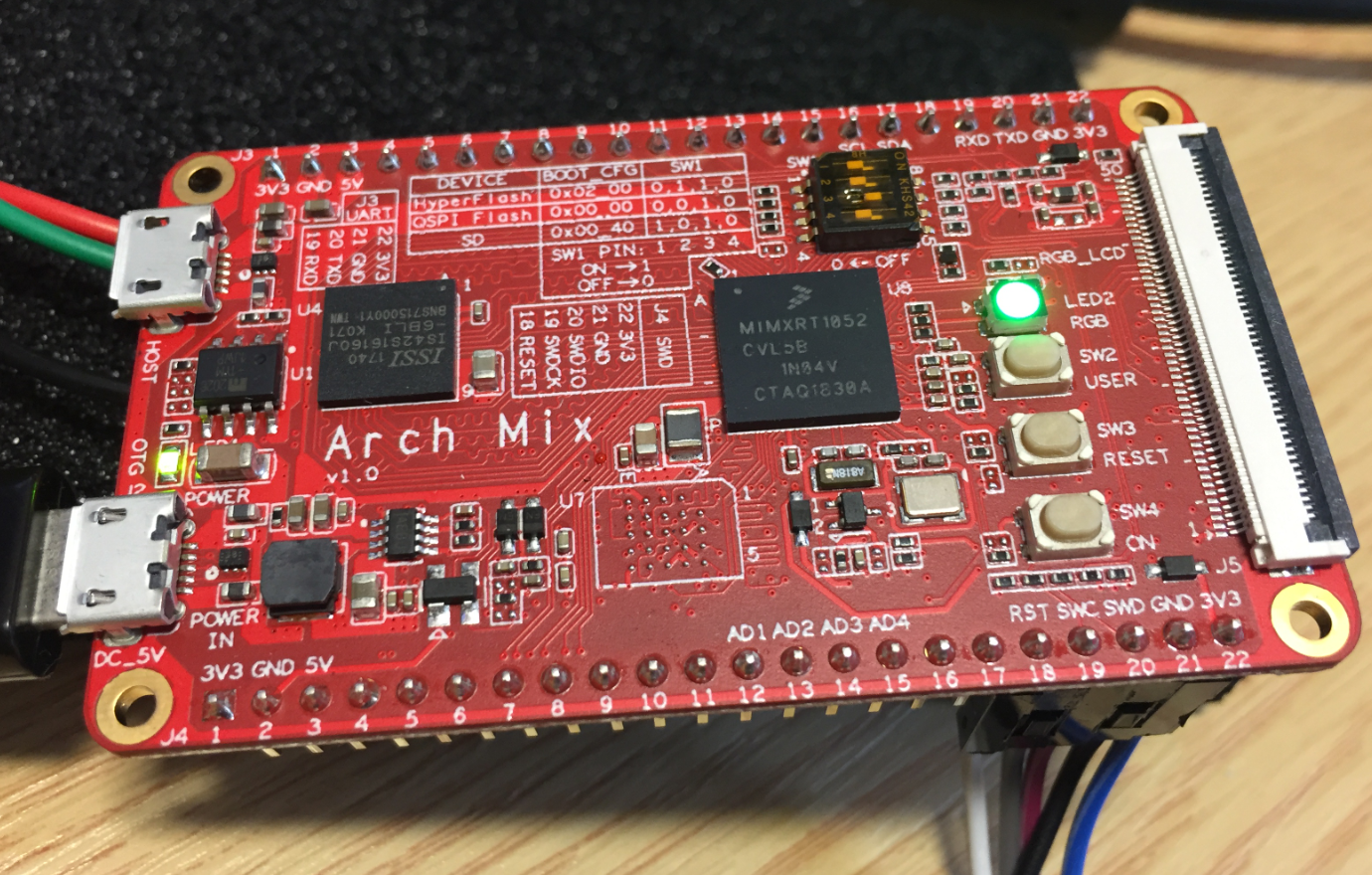 Seeed Arch Mix NXP i.MX RT1052 Board